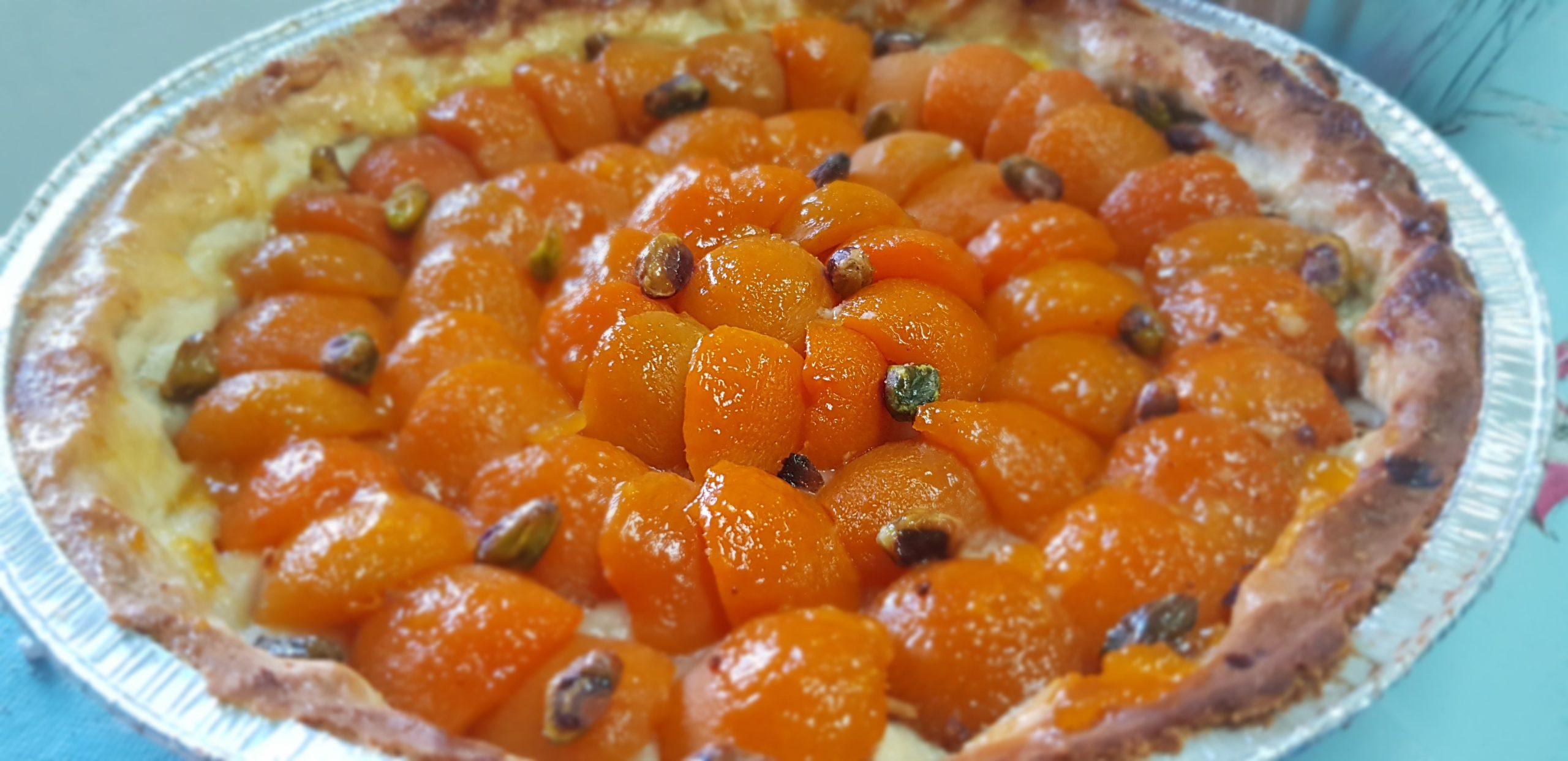Tarte aux abricots à la pâte sucrée aux amandes