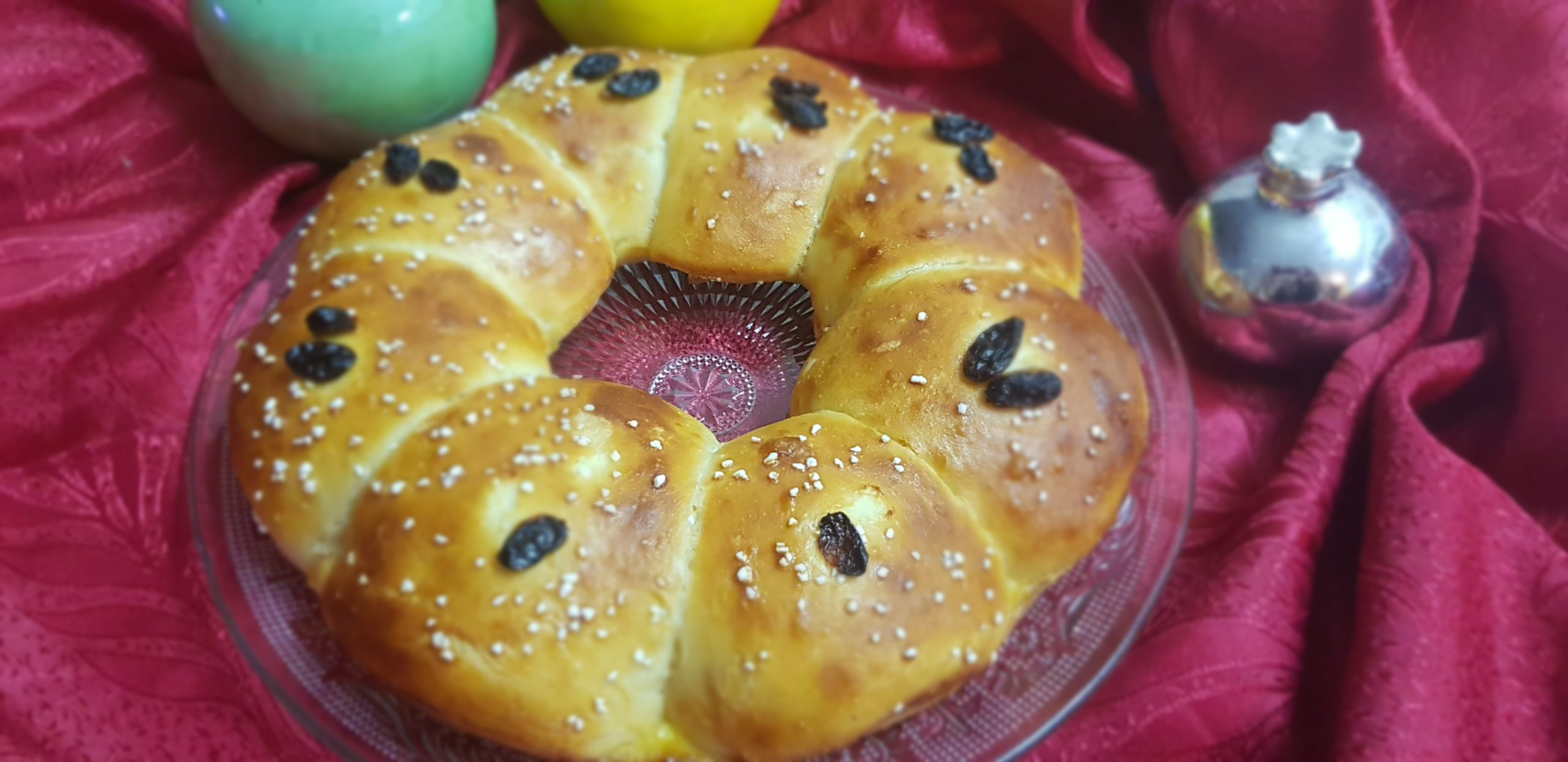 La challah ronde au miel et aux raisins secs