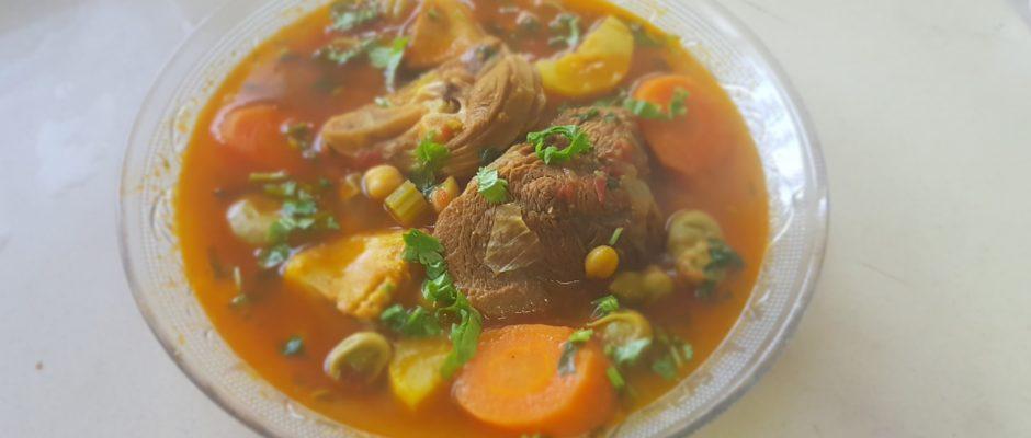 Bouillon de couscous aux légumes à la façonisraélienne