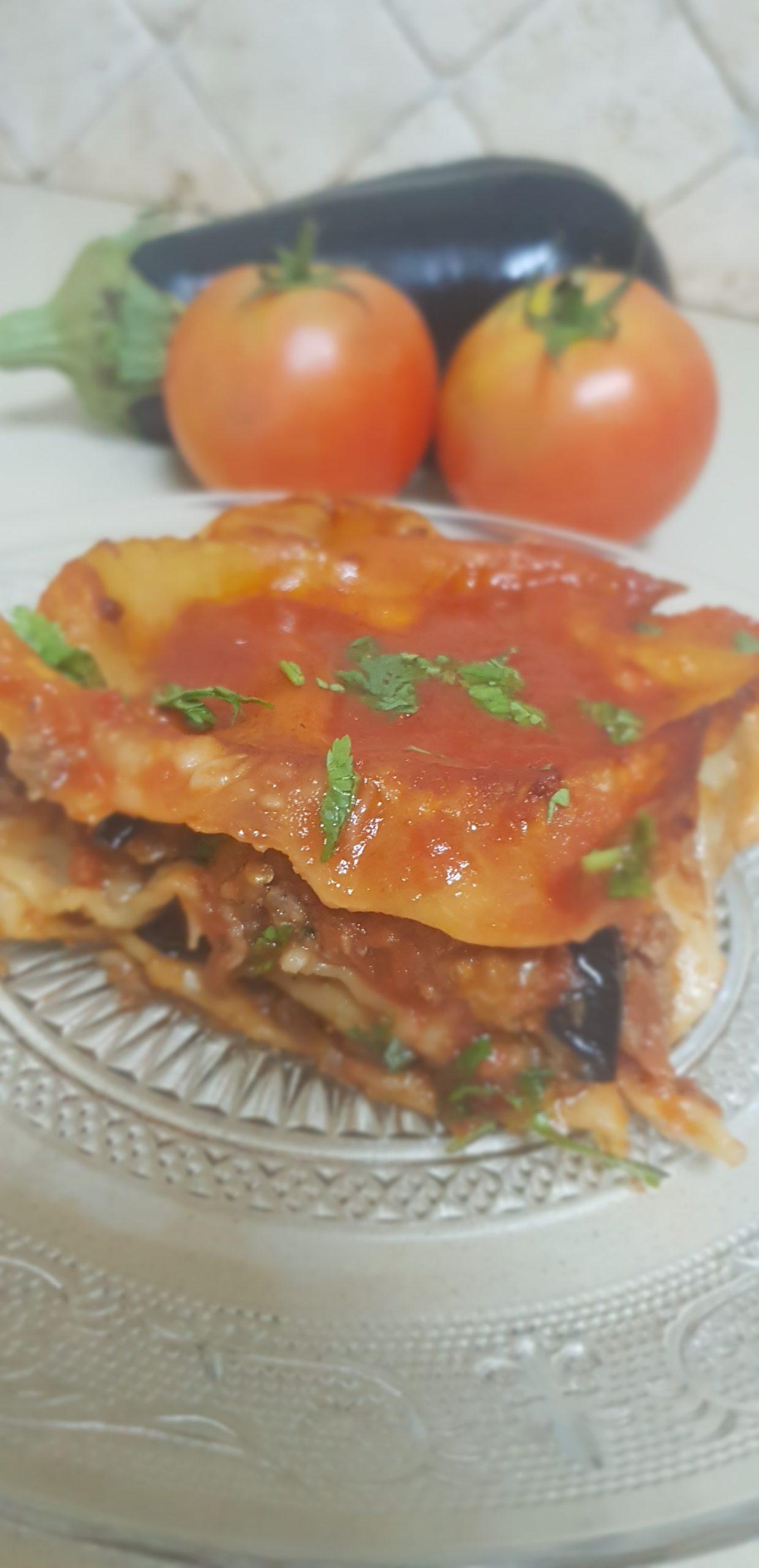 Les lasagnes aux aubergines, viande, tomates et coriandre