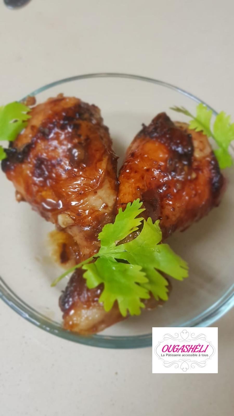 Les pilons de poulet caramélisés à la sauce soja