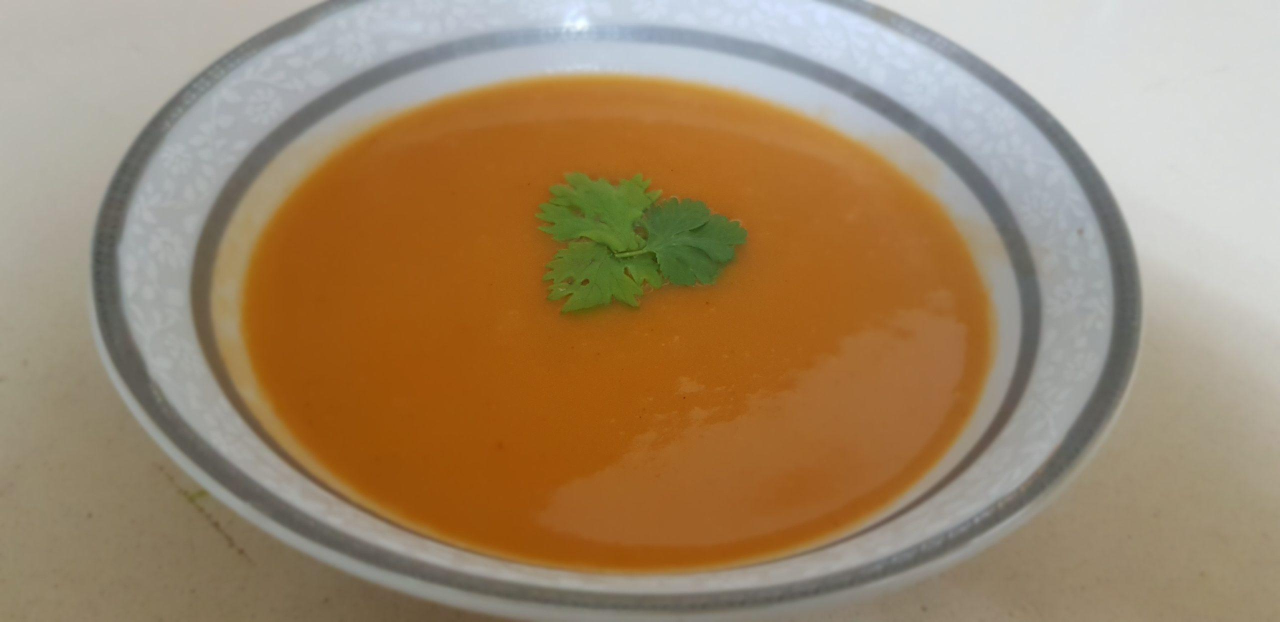 Soupe onctueuse à la tomate