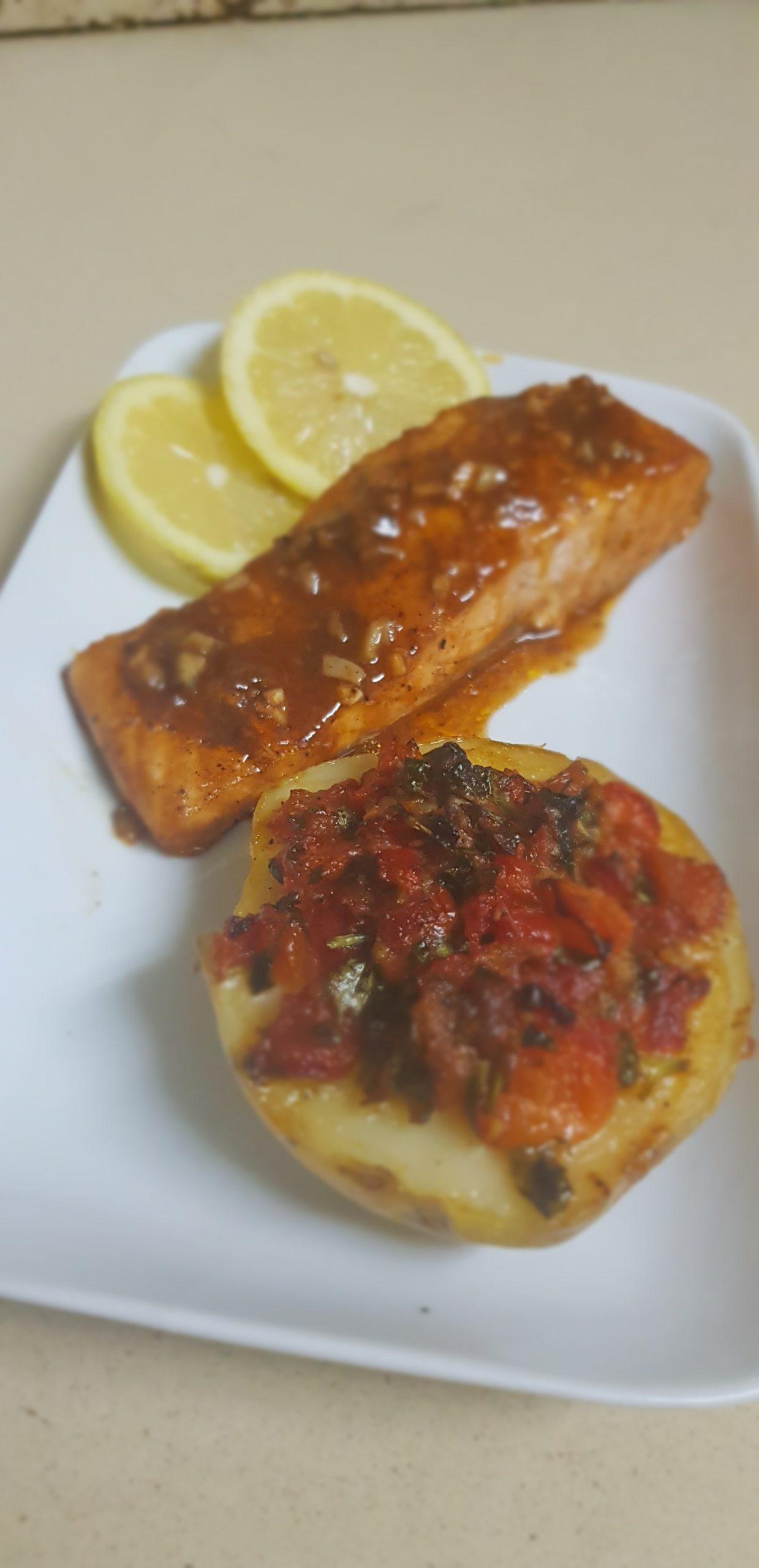 Repas estivale ! Saumon chili et pommes de terre à la provençale